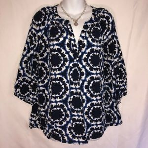 Crown & Ivy Top Size XL Elephant Print #M1